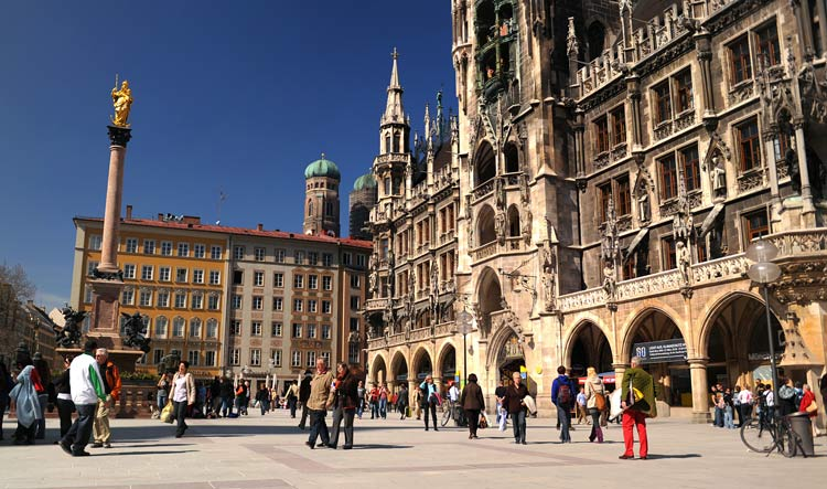 Rathaus - Marienplatz - Münich Essentials - Unique Münich Private Tours